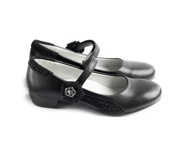 Para czarnych butów dla dziewczynki