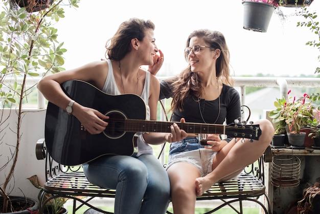 Para lesbijek w miłości