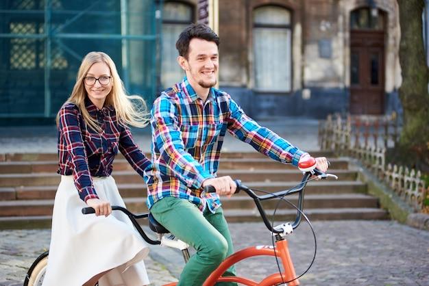 Para na rowerze typu tandem