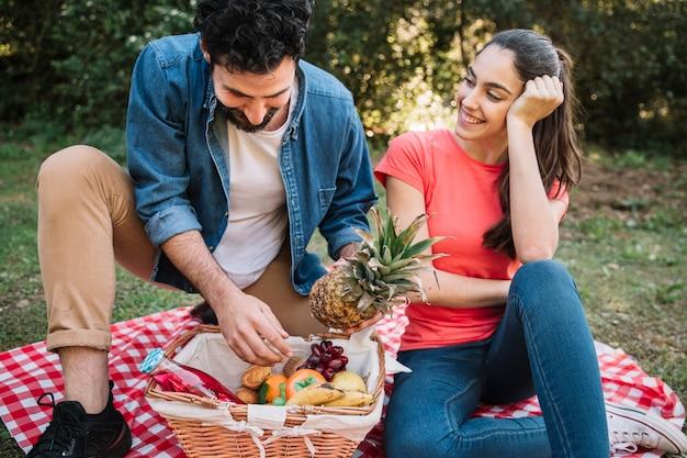 Para o piknik z owocami