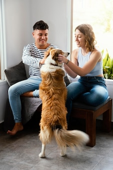 Para poddana kwarantannie w domu