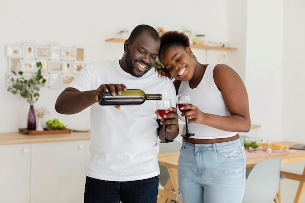 Para razem do picia wina