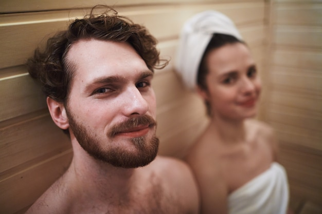 Para w saunie