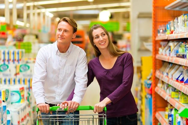 Para w supermarkecie