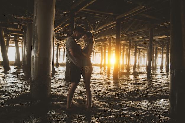 Para zakochanych na plaży