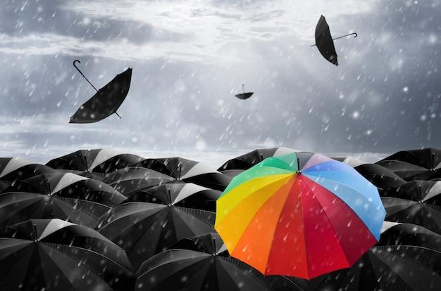 Parasol w burzy.