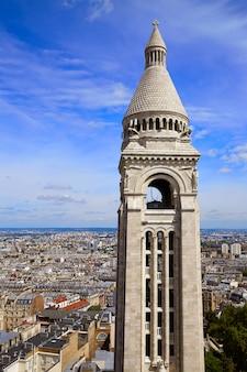 Paris skyline i sacre coeur w montmartre