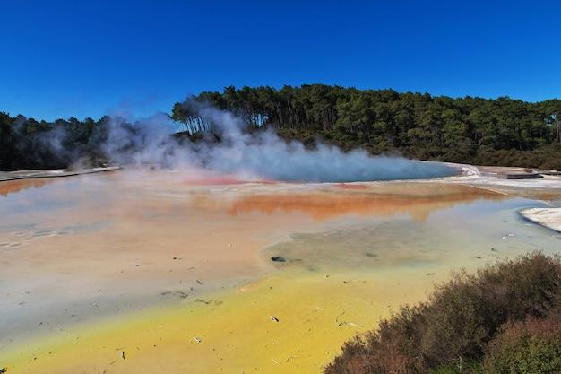 Park geotermalny wai-o-tapu, rotorua, nowa zelandia