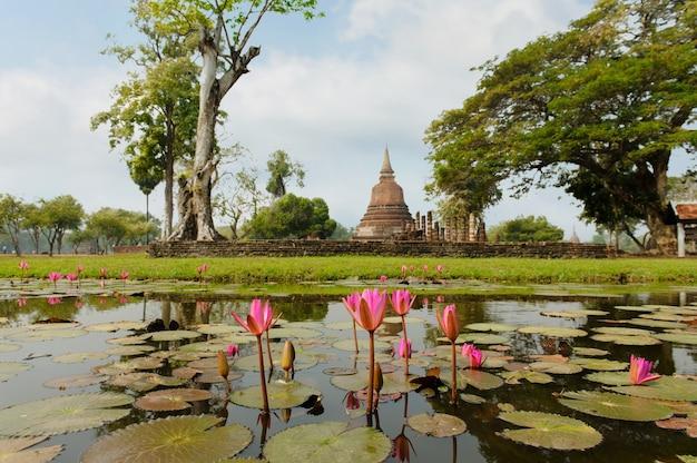 Park historyczny sukhothai, stare miasto tajlandii