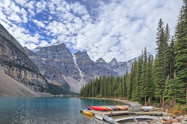 Park narodowy moraine lake banff kanada