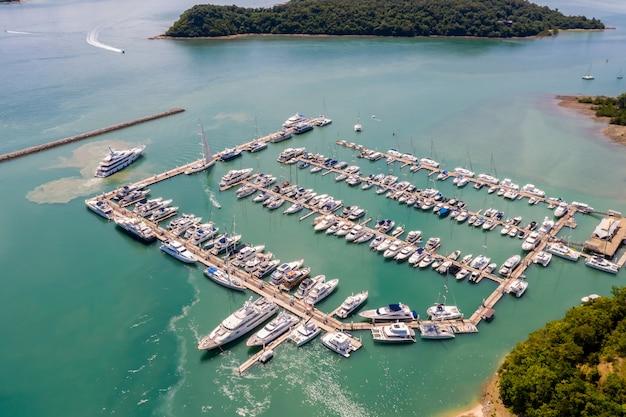Parking dla jachtów i łodzi motorowych na morzu
