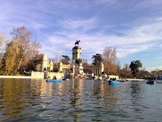 Parque del retiro madryt hiszpania