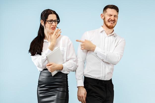 Partnerzy biznesowi kłócą się