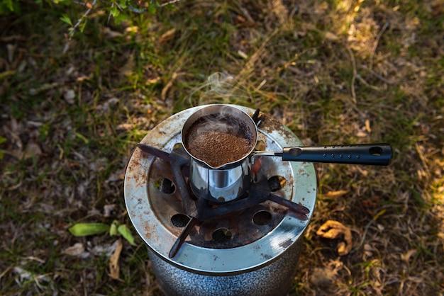 Parzenie kawy w cezve na pikniku?