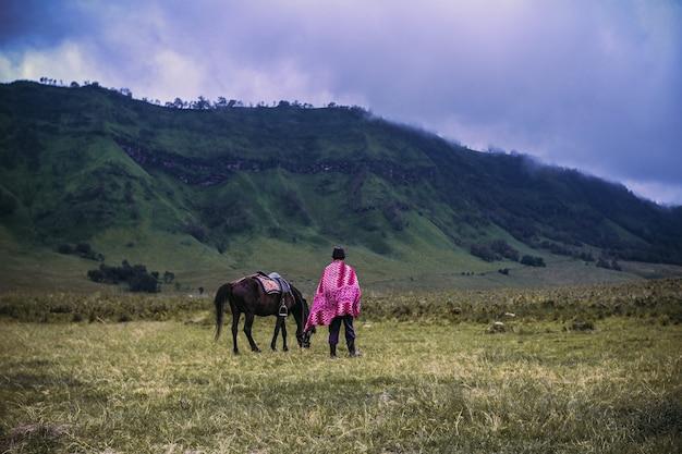 Pasterze koni w bromo