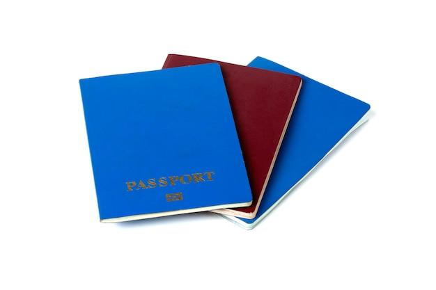 Paszporty na białym tle