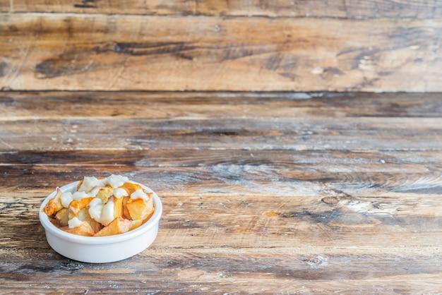 Patatas bravas z typowym sosem