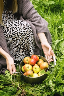 Patelnia z jabłkami