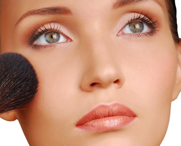 Pędzel kosmetyczny do aplikacji pudru