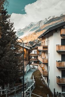 Pejzaż miejski i krajobrazy widok miasta zermatt, szwajcaria.