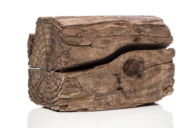 Pęknięta drewniana cegła