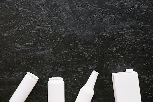 Pełna rama strzelająca szorstki czarny tło