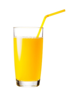 Pełna szklanka soku pomarańczowego ze słomką