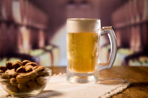 Pełny słoik do piwa