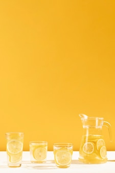 Pełny zestaw smacznej lemoniady