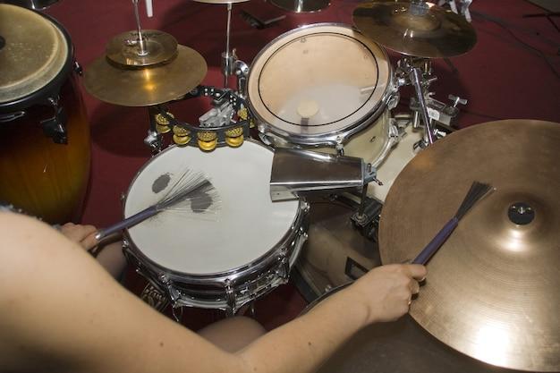 Perkusista na koncercie