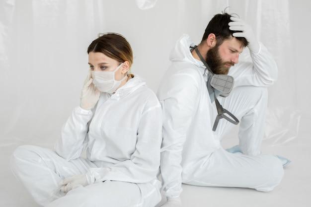 Personel medyczny z wypaleniem na oddziale intensywnej terapii podczas pandemii koronawirusa
