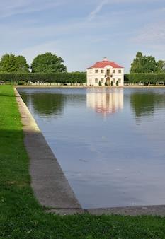 Peterhof sankt petersburg rosja09012020 niżny park pałac marley