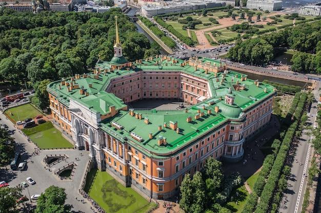 Petersburg, rosja, czerwiec 2019 - widok z lotu ptaka na zamek św. michała