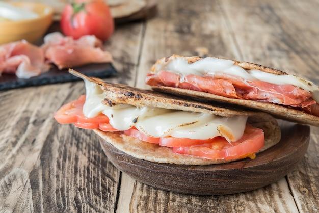 Piadina, typowe włoskie jedzenie