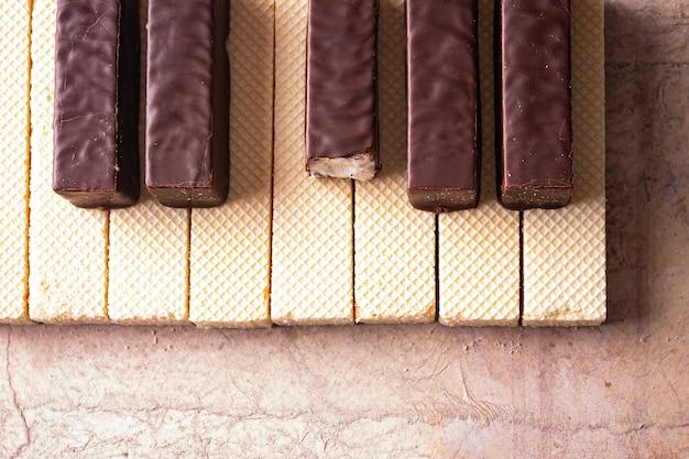 Pianino zrobione jest z gofrów i pianek w czekoladzie