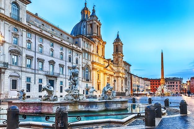 Piazza navona w rzymie, widok na fontannę moor.