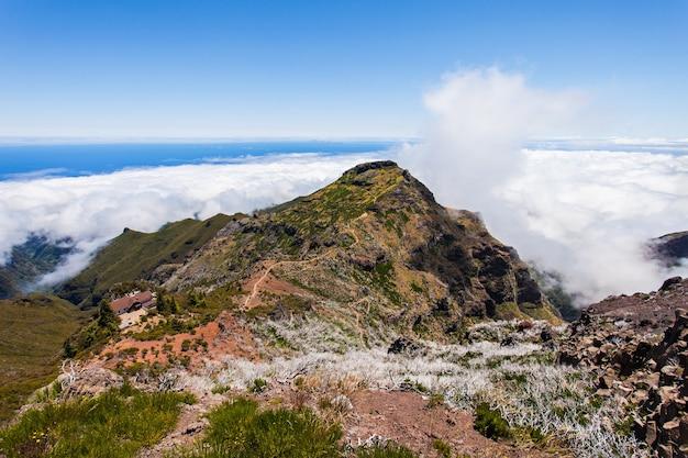Pico ruivo to najwyższy szczyt na maderze w portugalii