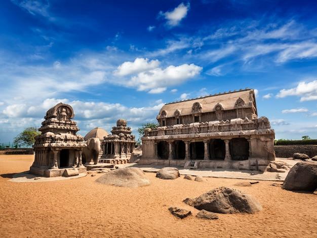 Pięć rathas. mahabalipuram, tamil nadu, indie południowe