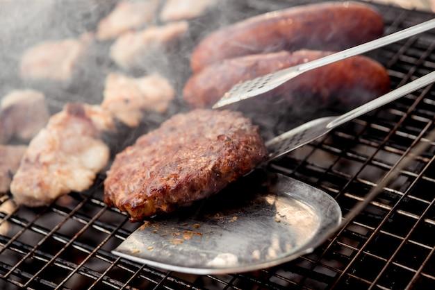 Pieczone mięso z grilla.