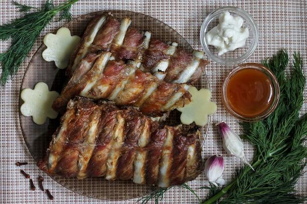 Pieczone mięso z przyprawami