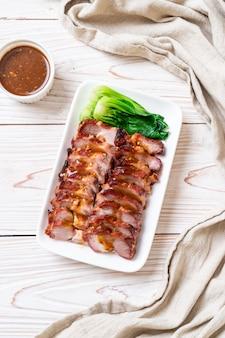 Pieczony grill czerwona wieprzowina
