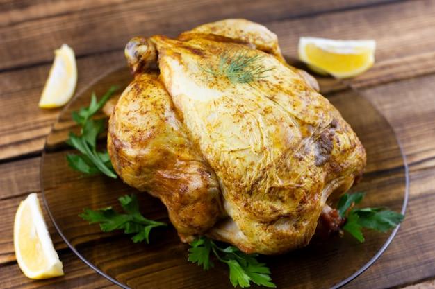 Pieczony kurczak na drewnie