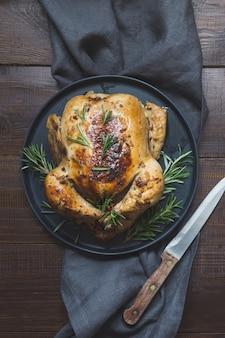 Pieczony kurczak z rozmarynem,