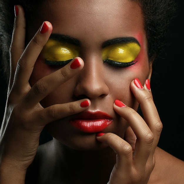 Piękna afroamerykańska kobieta