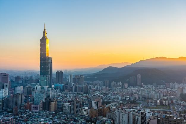 Piękna architektura buduje taipei miasto