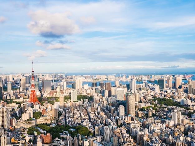Piękna architektura i budynek wokół tokyo city z tokyo tower w japonii