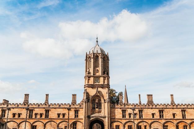 Piękna architektura tom tower of christ church, oxford university