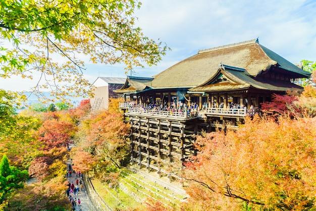 Piękna architektura w kiyomizu świątyni przy kyoto japonia