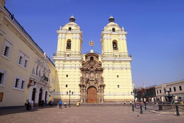 Piękna bazylika san francisco w limie, peru