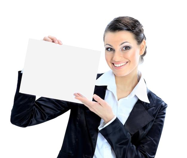 Piękna biznesowa kobieta z białym sztandarem. na białym tle na białym tle.